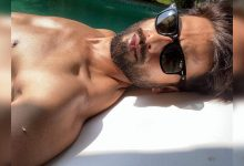"Shahid Kapoor serves a shirtless selfie from Goa and captions it, ""Sunny side up"" - Times of India"