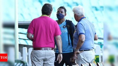 'Should be banned for life': Michael Hussey slams racial abuse at SCG   Cricket News - Times of India