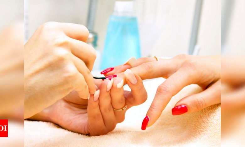 Things you need to know before jumping on the acrylic nail trend - Times of India
