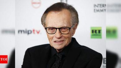 US news star Larry King hospitalized with Covid-19: Report - Times of India
