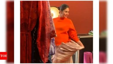 Watch: Mom-to-be Kareena Kapoor Khan looks happy to be on the sets of a shoot - Times of India