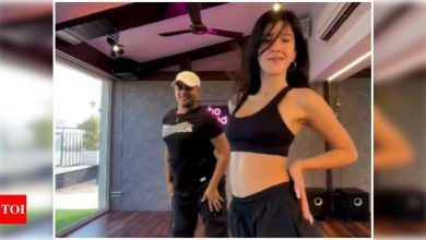 Watch: Shanaya Kapoor's stunning dance moves will leave you impressed - Times of India