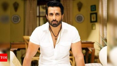 Watch: fans go crazy for 'real hero' Sonu Sood as he visits Shirdi temple - Times of India