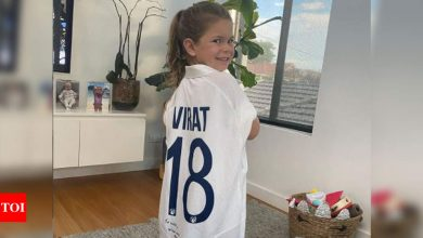 We have one very happy girl here: Warner's daughter elated after getting Kohli's jersey | Cricket News - Times of India