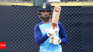 kl rahul:  India vs Australia: Does KL Rahul's injury disrupt plans for changes in India's playing XI? | Cricket News - Times of India