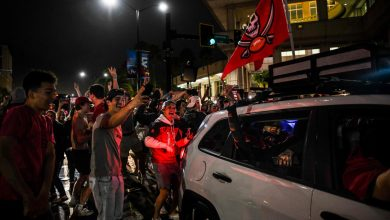 Fans flout COVID-19 rules to party on Tampa streets after Buccaneers' Super Bowl win