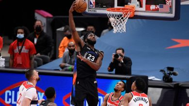 Mitchell Robinson fractures right hand in Knicks win