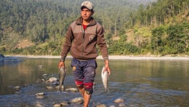As Nepal's Budhi Gandaki hydro project is put on hold, flooding threatens lives of thousands