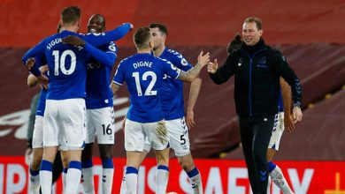 Premier League: Everton record first win at Liverpool since 1999; Chelsea draw at Southampton