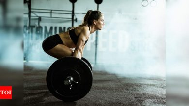 6 reasons why women must lift weights - Times of India
