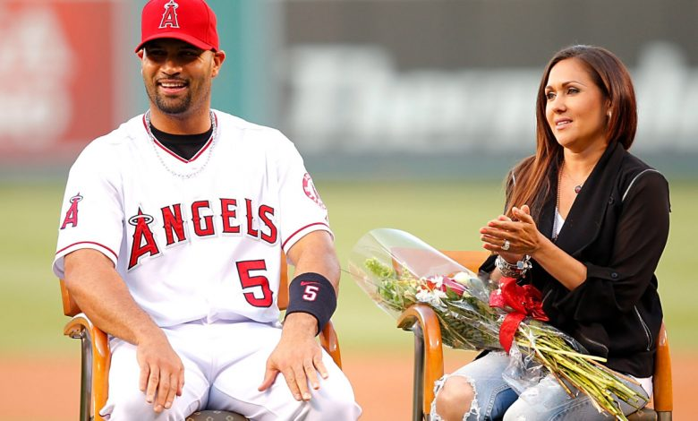 Albert Pujols' wife wrote about his 'last season' and everything went 'bananas'