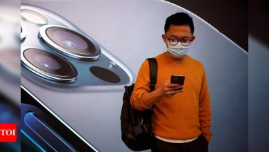 Apple to fix the problem of unlocking an iPhone while wearing a mask, here's how - Times of India