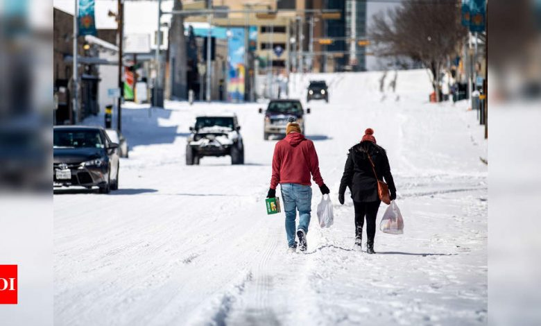Cold snap leaves 8 million in Texas, Mexico without power - Times of India