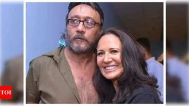 Did you know that Ayesha Shroff once wrote a letter to Jackie Shroff's ex-girlfriend for THIS reason? - Times of India