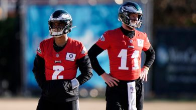 Eagles may have Jalen Hurts dilemma once Carson Wentz is gone