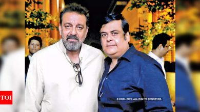 """Exclusive! World Cancer Day: Sanjay Dutt's Friend Rahul Mittra: """"I broke down when Sanju was diagnosed with cancer"""" - Times of India"""