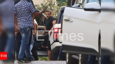 Exclusive photos: Salman Khan arrives on the 'Pathan' sets for his shoot with Shah Rukh Khan - Times of India
