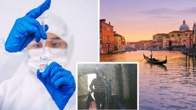Italy holidays: 'Our vaccine is slow in Italy' Venice gondolier worries about 2021 breaks