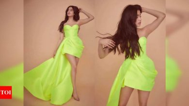 Janhvi Kapoor treats fans to stunning pictures in neon green ensemble - Times of India