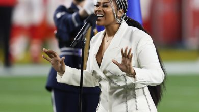 Jazmine Sullivan and Eric Church crush 2021 national anthem with H.E.R.'s help