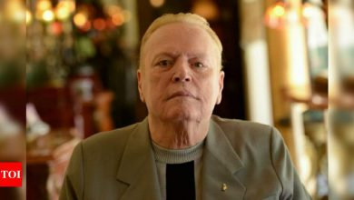 Larry Flynt, a school dropout who built a $400m porn empire with 'Hustler', dies - Times of India
