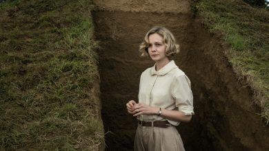 Netflix criticized for casting Golden Globe nominee Carey Mulligan as 56-year-old