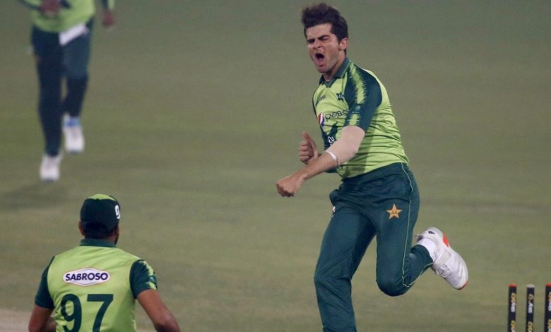 Pakistan win toss and bowl in series decider