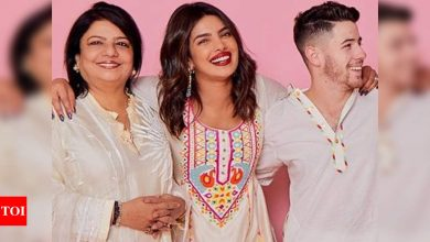 Priyanka Chopra reveals she once sent her security to take pictures of Nick Jonas when he took her mom out for lunch - Times of India