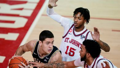 St. John's making mark with suffocating defense