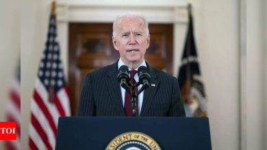 US covid deaths: Joe Biden leads Americans in moment of silence to mourn 500,000 US Covid-19 deaths | World News - Times of India