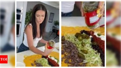 Unusual nacho hack goes viral, netizens are angry - Times of India