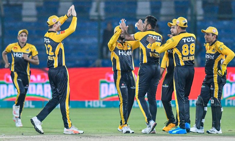 Wahab Riaz, Saqib Mahmood and Tom Kohler-Cadmore hand Islamabad United first defeat