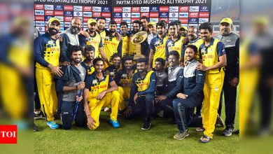 Watch: 'Vaathi Coming' celebrations for Dinesh Karthik and Co. after SMAT win   Cricket News - Times of India