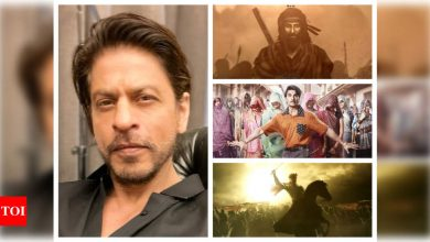 Will Shah Rukh Khan's 'Pathan' bow out of 2021 release as Ranbir Kapoor, Ranveer Singh and Akshay Kumar line up their theatrical releases? - Times of India