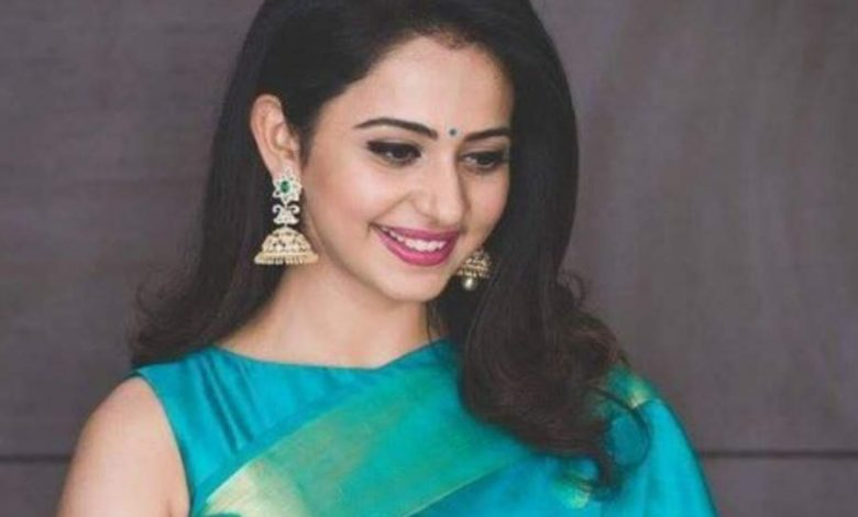 Actresses who looked stunning in a saree