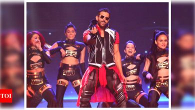 66th Vimal Elaichi Filmfare Awards 2021: Hrithik Roshan shares photos from his electrifying dance performance - Times of India