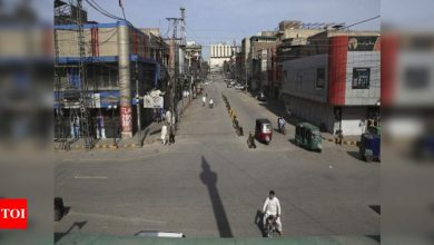 Coronavirus: Pakistan imposes partial lockdown amid spike in cases - Times of India