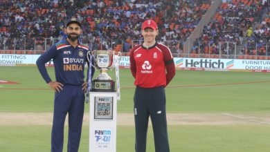 England bowl with Rashid as sole spinner; India rest Rohit and play three spinners