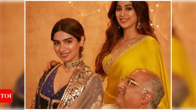 Exclusive! Khushi, Boney Kapoor, and childhood friends fly out to Chandigarh to celebrate Janhvi Kapoor's birthday - Times of India