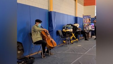 Famed cellist Yo-Yo Ma turns MA vaccination site into concert hall