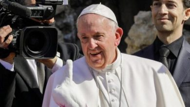 In Iraq's ruined city of Mosul, Pope Francis hears of life under Islamic State