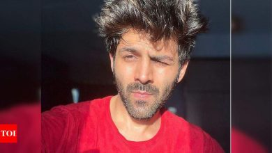 Kartik Aaryan posts a Covid selfie in 'lockdown'; has a hearty laugh as night curfew gets imposed in Maharashtra - Times of India