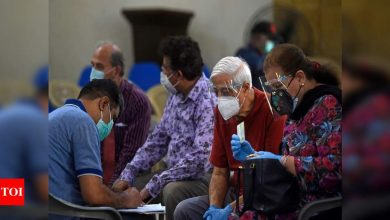 Pakistan bans travel from 12 countries amid spike in coronavirus cases - Times of India