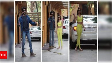 Pic: Kartik Aaryan and Kiara Advani look all excited as they join a dance class in Mumbai - Times of India