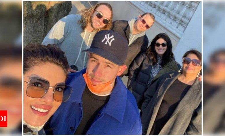 Priyanka Chopra escapes for a quick family outing with mommy Madhu Chopra along with hubby Nick Jonas and family - Times of India