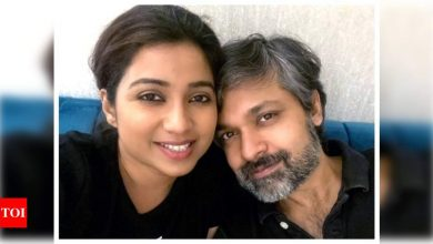 Singer Shreya Ghoshal shares news of her pregnancy with fans: Baby #Shreyaditya is on its way! - Times of India