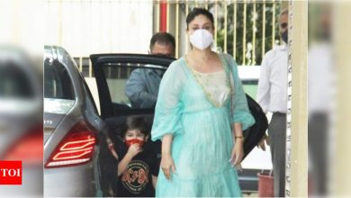 Taimur Ali Khan runs into a glass door as he arrives with mommy Kareena Kapoor Khan for Samaira's birthday party - Times of India ►