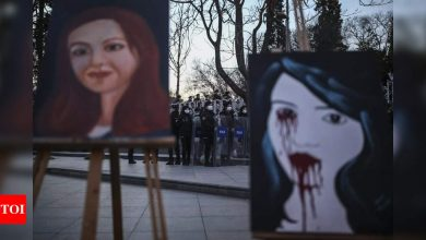 Turkish police detain 13 over women's day protest - Times of India