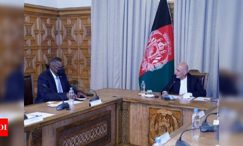 US defence secy meets Afghanistan prez during 'secret' trip - Times of India