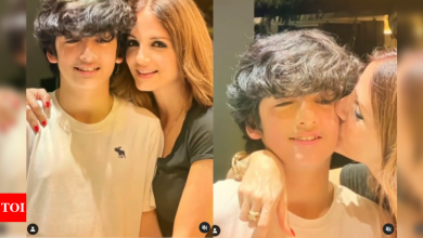 Watch video: Hrithik Roshan and Sussanne Khan celebrate son Hrehaan's 15th birthday in style - Times of India